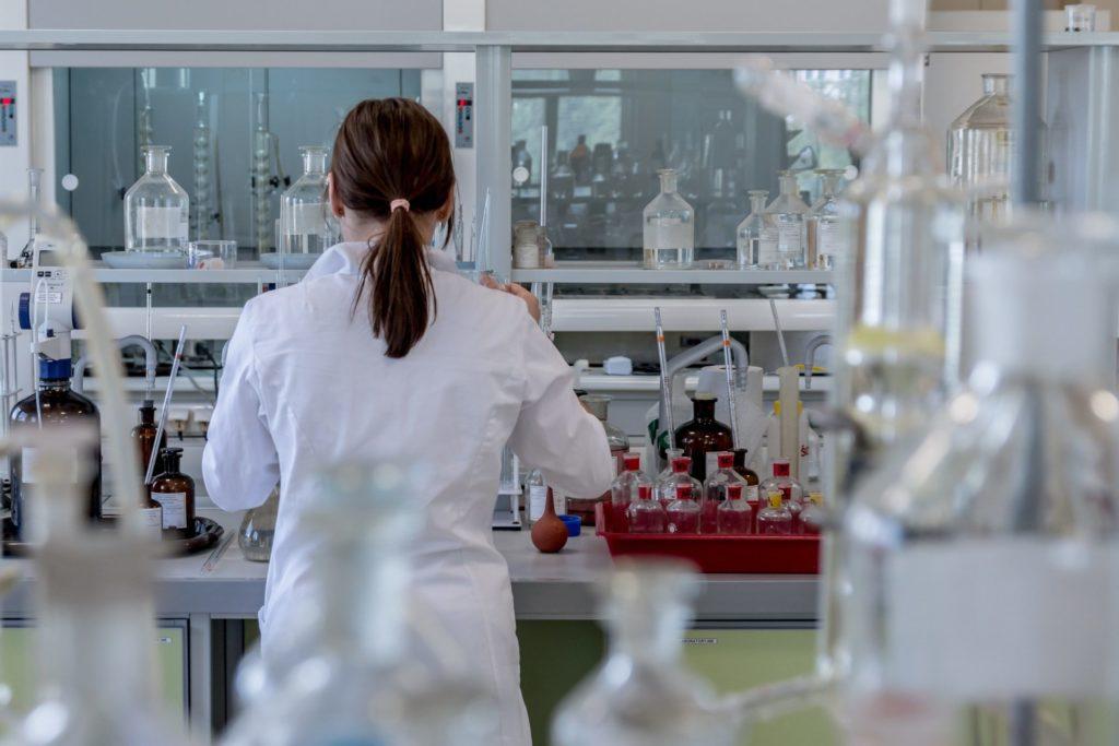 Im Labor wird unter hoher Sicherheit gearbeitet
