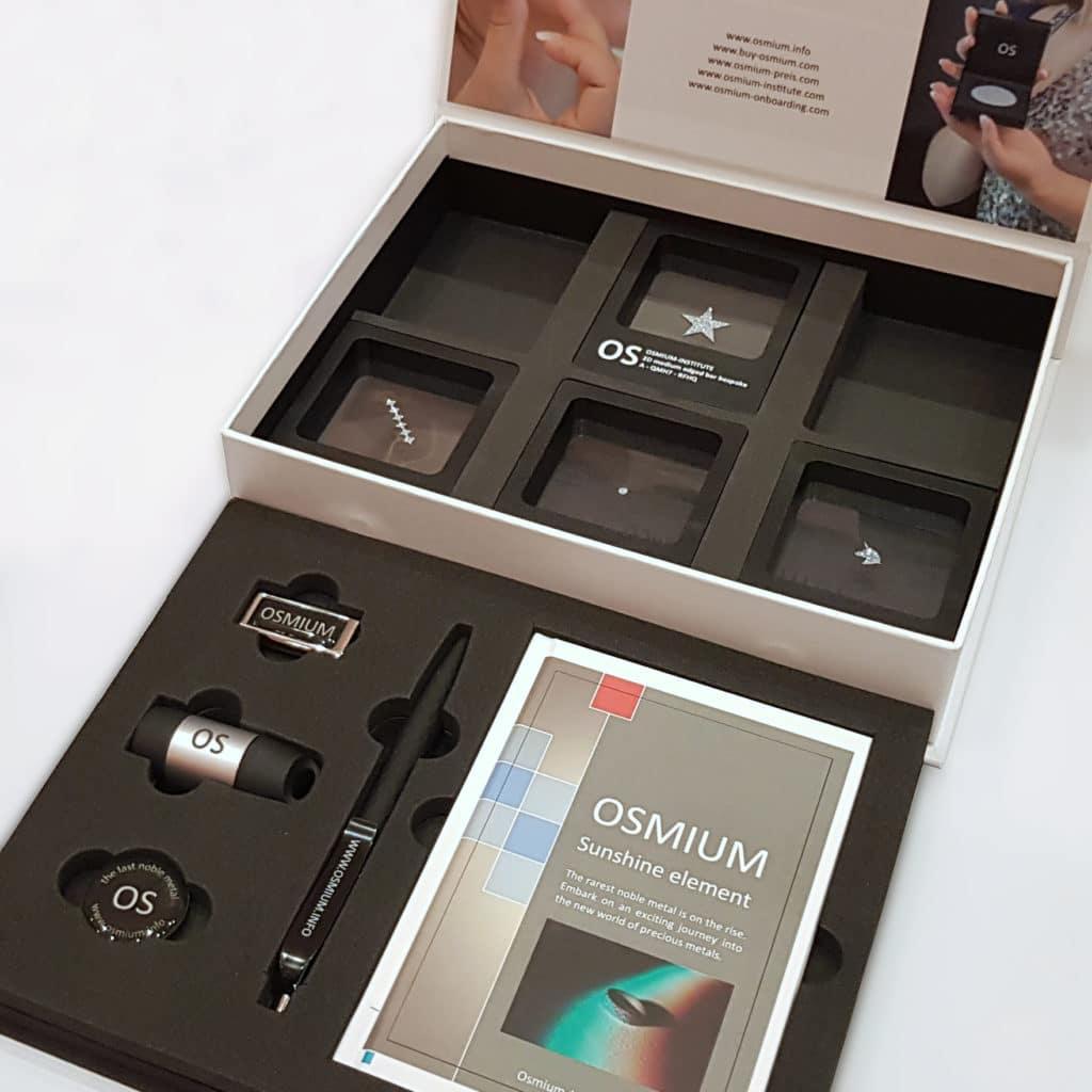 Osmium-Produktbox mit Ware und Lieferumfang präsentiert