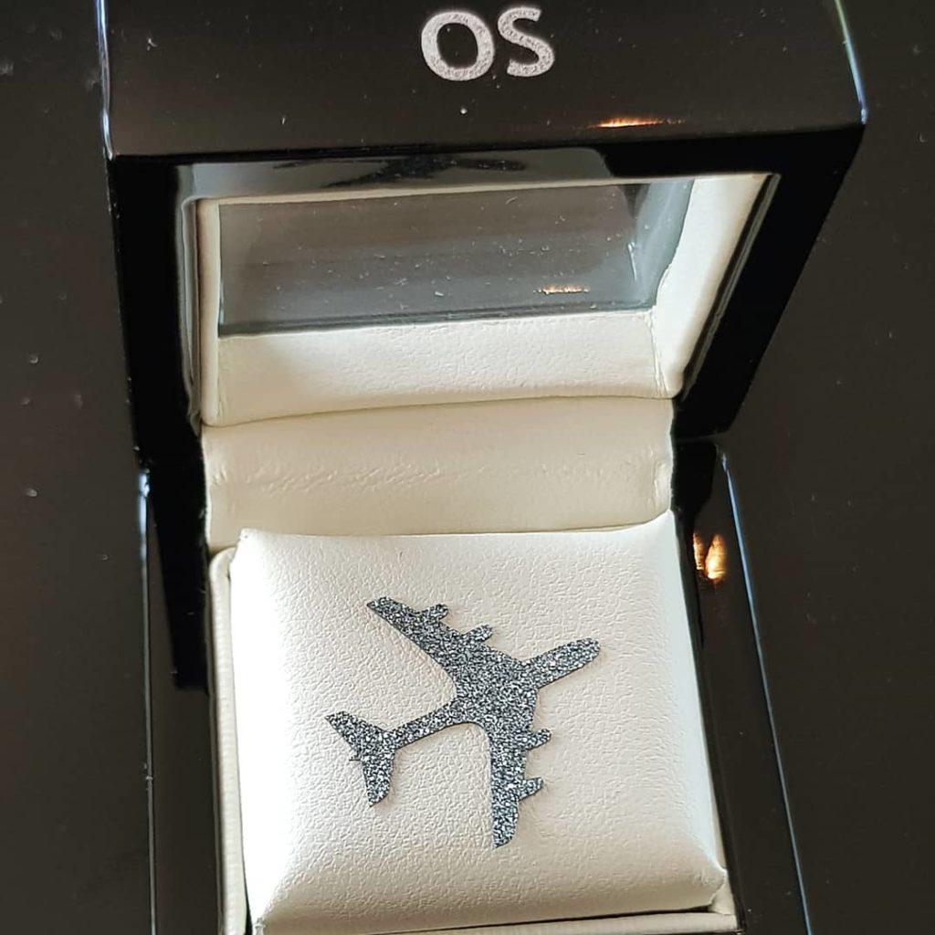 Osmium in Flugzeugform in Box