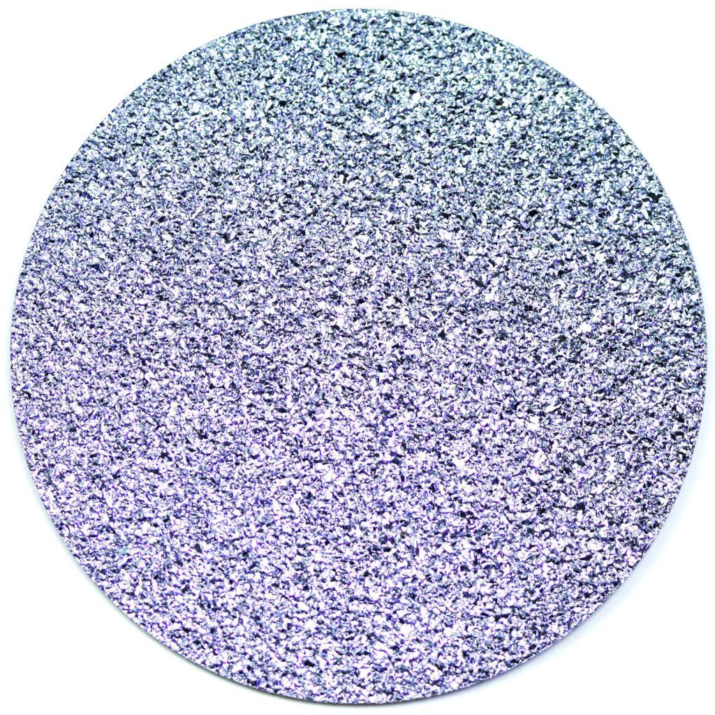 Eine Osmium-Disk aus der Nähe aufgenommen
