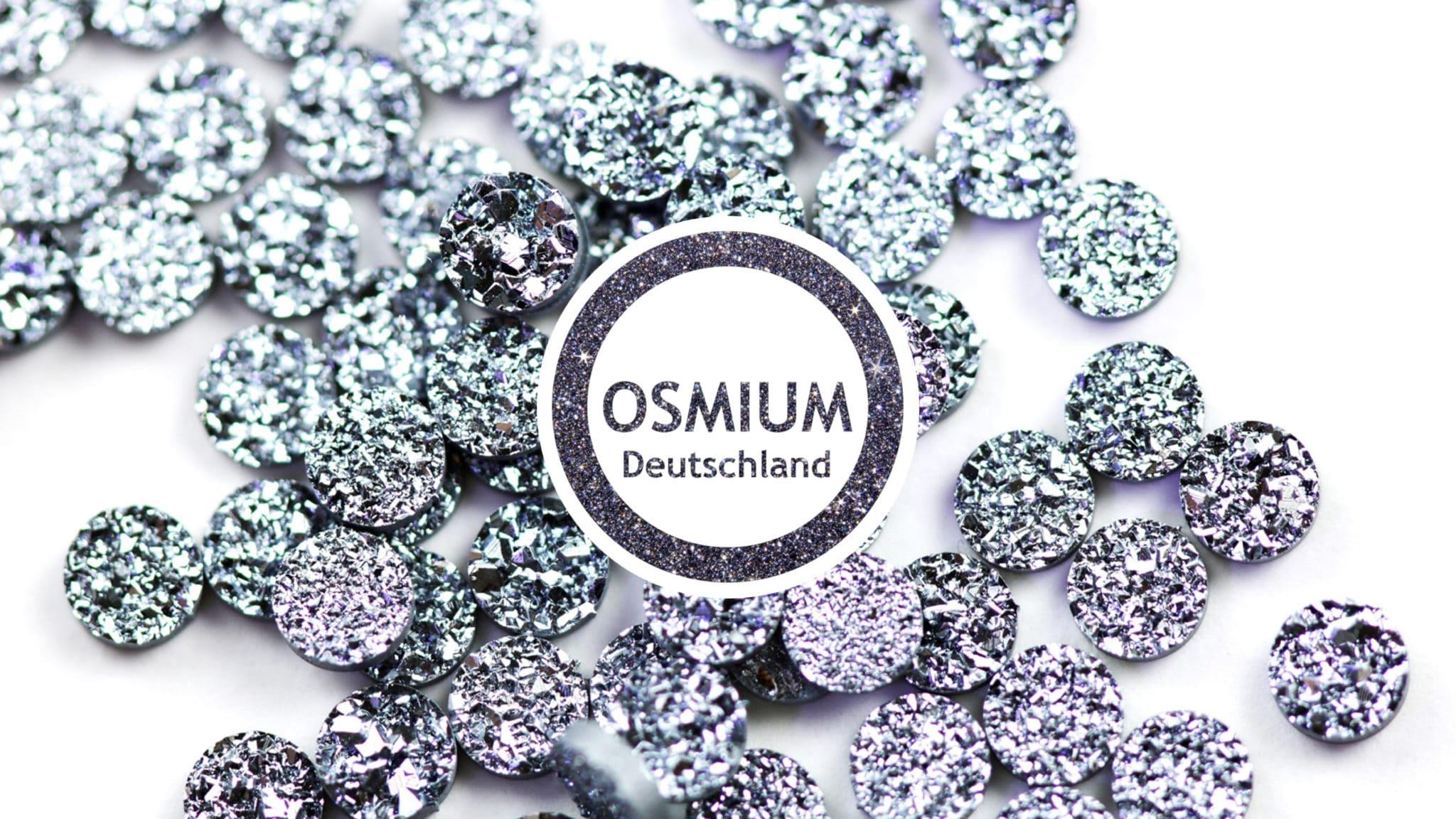 Logo von Osmium Deutschland etwas verkleinert auf buntem Hintergrund